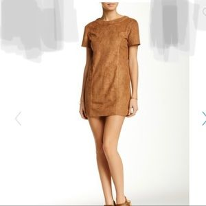 ✨💎NWOT🔥 Suede Tan Mini DressZipper Detail (M)